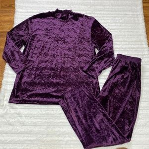 Vintage TAG Velour Set Purple Casual from the 1980